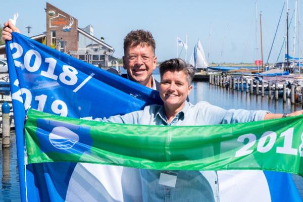 Blauwe Vlaggen uitgereikt in Ouddorp aan Zee