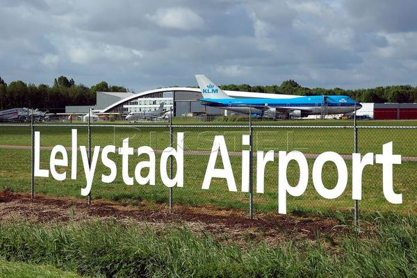 Minister verandert plannen vliegveld Lelystad na 10.000 inspraakreacties niet