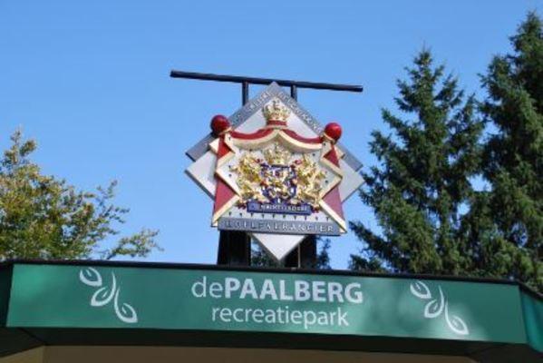 Recreatiepark de Paalberg ontvangt predicaat Koninklijke hofleverancier
