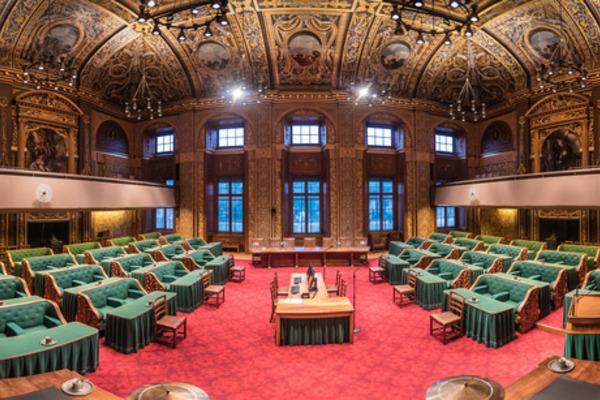 Eerste Kamer stemt in met wetsvoorstellen quarantaineplicht en toegangsbewijzen